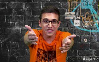 Super Φλώρος: Σούπερ οινοπνευματώδεις ιστορίες και τζέρτζελα!