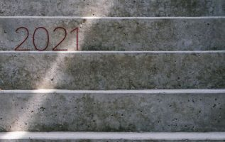 Παρ' όλες τις στερήσεις, τα τραύματα, τις απώλειες, την οδύνη, το 2020 μας έμαθε... 4