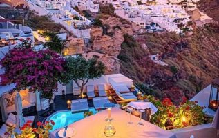 Beautiful Santorini island... 4