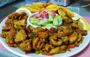 Μαγειρεύοντας για τον πατέρα -Ψαρονεφρι και Λουκανικοπιτες