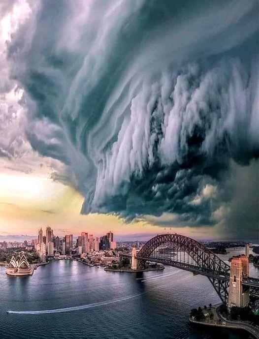 Πριν την καταιγίδα. Σίδνεϊ, Αυστραλία.... 1
