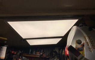 Φωτισμός εργαστηρίου με PL LED PANEL