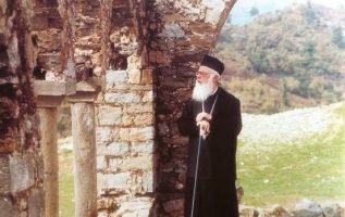 Ενδεχομένως κάποιος που αυτοπροσδιορίζεται ως άθεος, να είναι πολύ πιο κοντά στο... 5