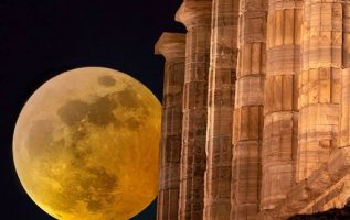 Amazing full moon at the Temple of Poseidon at Cape Sounion !!.... 2