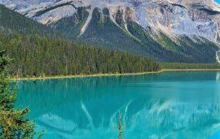 Emerald Lake,British Columbia Canada... 2