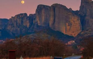 Full Moon over amazing Meteora in #Greece !!.... 4
