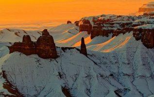 Sunrise this morning at Hanksville, Utah, USA #NaturalbeautyoftheEarth... 4