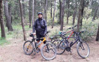 Βόλτα στα κτήματα στο Τατόι με τα ποδήλατα. Ποδήλατο με την οικογένεια. (Video and slide show)
