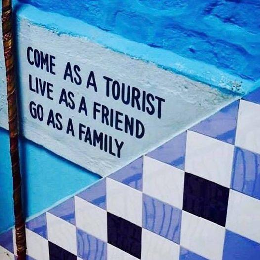 Έλα ως τουρίστας,... 1
