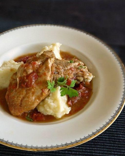Κοτόπουλο με ντομάτα, ελιές και πουρέ πατάτας... 1