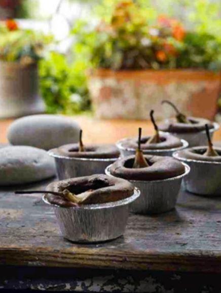 Μικρά σουφλέ σοκολάτας με ολόκληρα αχλάδια... 1
