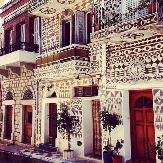 Οι ζωγραφισμένες καμάρες και προσόψεις των σπιτιών στο Πυργί, επίσης στη Χίο... 1