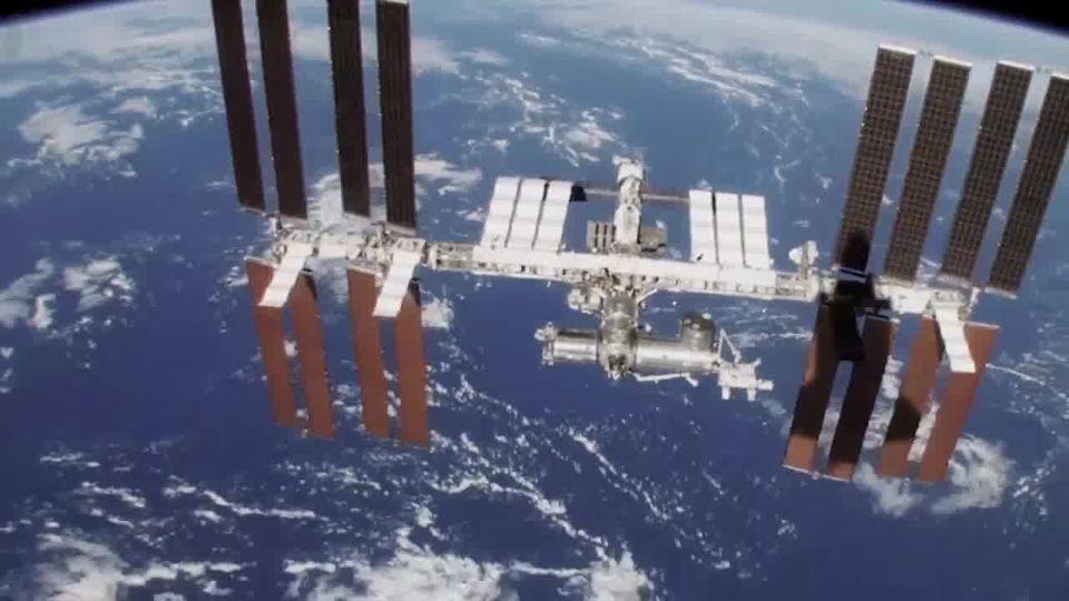 Ο Διεθνής Διαστημικός Σταθμός είναι ένας ερευνητικός διαστημικός σταθμός σε τροχ... 1