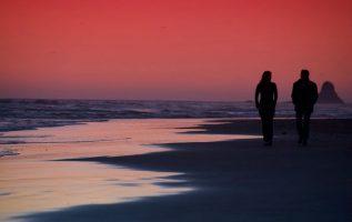 Είναι που ενώ βλέπουμε το ηλιοβασίλεμα γυρνάω και σε κοιτάζω. Και ξέρεις πόσο μο... 5