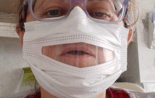 Διαβάζω τις αναρτήσεις σχετικά με τις διαφανείς μάσκες, βλέπω πως δεν έχετε κατα... 4