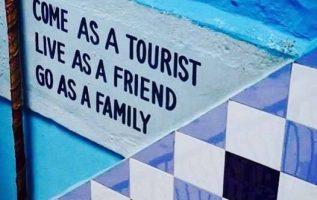 Έλα ως τουρίστας,... 2