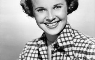 Actress Mona Freeman (June 9, 1926 - May 23, 2014).... 2