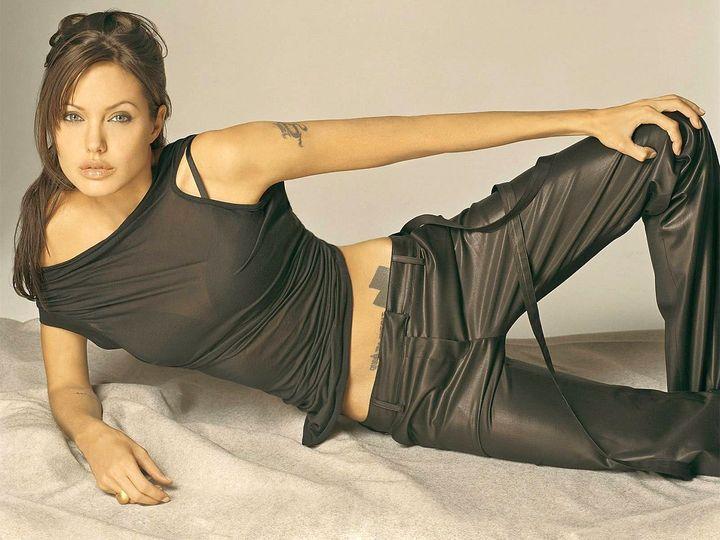 Angelina Jolie.... 1