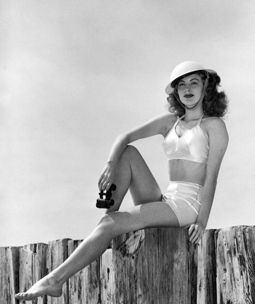 Ava Gardner. Doing her part for the war effort.... 1