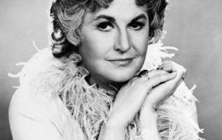 Bea Arthur (May 13, 1922 - April 25, 2009) as Maude.... 2