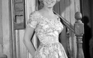 Beverley Owen (May 13, 1937 - February 21, 2019) as Marilyn Munster.... 4