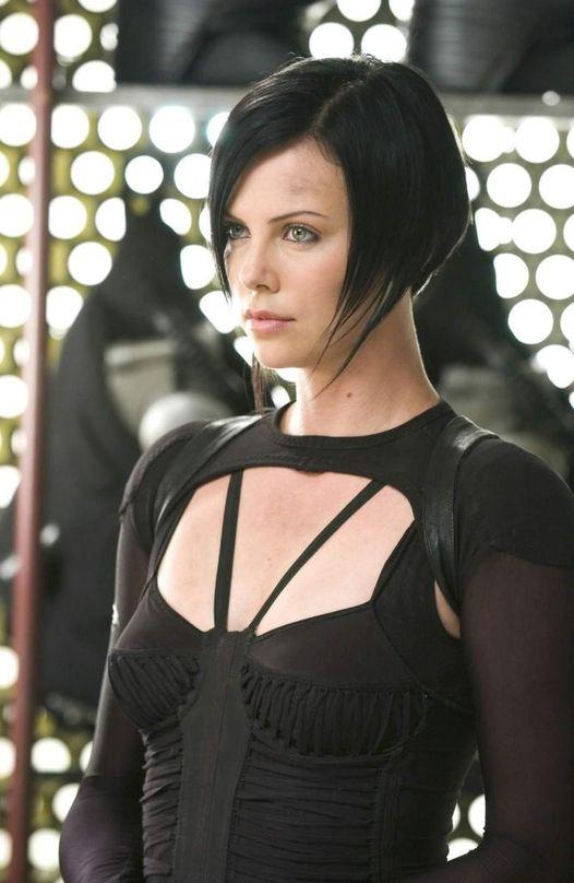 Charlize Theron. Æon Flux (2005).... 1