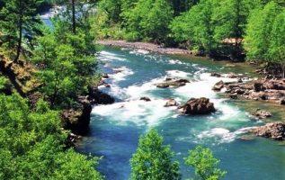 Clackamas River,Oregon USA... 2
