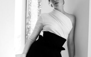 Claire Foy.... 5