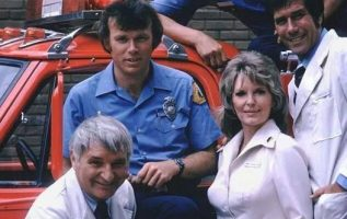 Emergency! with Kevin Tighe, Randolph Mantooth, Bobby Troup, Julie London and R... 3