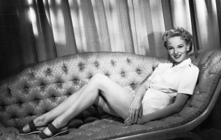 English Actress Anna Lee (January 2, 1913 - May 14, 2004).... 2