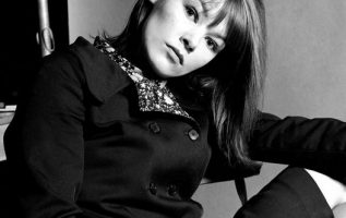 Happy Birthday to Actress Glenda Jackson who turns 85 today! Pictured here back... 3