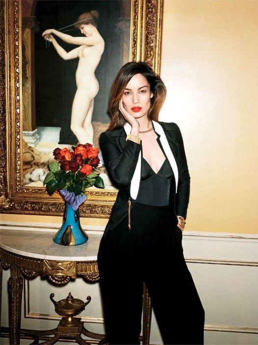 Happy Birthday to Bond Girl Bérénice Marlohe who turns 42 today!... 1