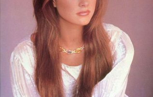 Happy Birthday to Brooke Shields who turns 56 today! Pictured here back int he ... 4