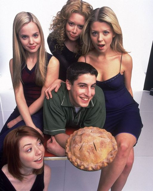 Happy Birthday to Jason Biggs who turns 43 today! Pictured here with Mena Suvar... 1