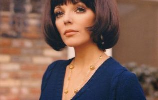 Happy Birthday to Joan Collins who turns 88 today!... 3