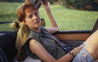 Happy Birthday to Laurel Holloman who turns 50 today! Pictured here in The Incr... 3