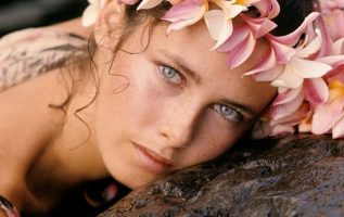 Happy Birthday to Model Dayle Haddon who turns 73 today! Pictured here back in ... 3