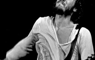 Happy Birthday to The Who's Pete Townshend who turns 76 today!... 3
