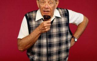 Jerry Stiller (June 8, 1927 - May 11, 2020).... 5