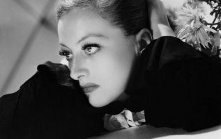Joan Crawford photographed by George Hurrell.... 4