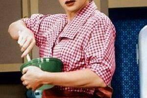 Lucille Ball....βλέπατε αυτήν την σερά ;; Είχε πολύ γέλιο !!... 3
