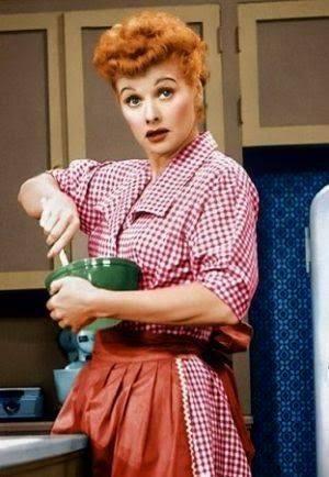 Lucille Ball....βλέπατε αυτήν την σερά ;; Είχε πολύ γέλιο !!... 1