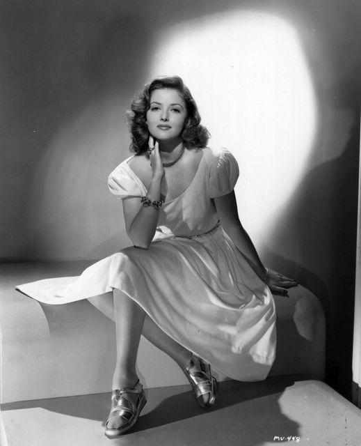Martha Vickers (May 28, 1925 - November 2, 1971).... 1