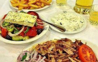 Mmm!!! Greek food is the best !!... 3