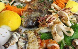 Mmmm.....Greek seafood is the best !!.... 3