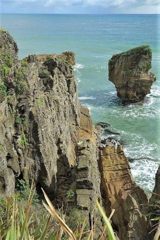 Punakaiki Pancake rocks-New Zealand.... 1