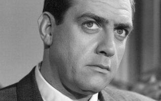 Raymond Burr (May 21, 1917 - September 12, 1993). Perry Mason.... 2