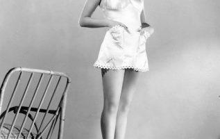 Rita Hayworth.... 2