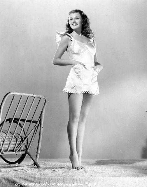 Rita Hayworth.... 1