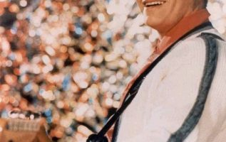 Ritchie Valens (May 13, 1941 - February 3, 1959).... 5